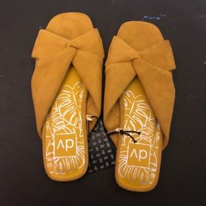 Women's dv Addie Microsuede Knotted Slide Sandals